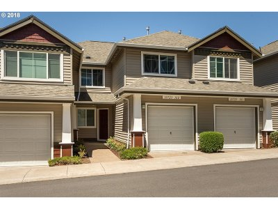 Tigard Condo/Townhouse For Sale: 10723 SW Canterbury Ln #102