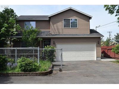 Milwaukie, Clackamas, Happy Valley Single Family Home For Sale: 9507 SE 77th Ave