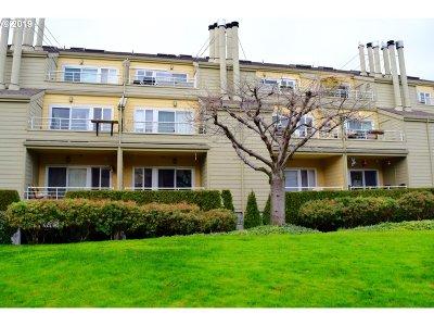 Portland Condo/Townhouse For Sale: 241 N Hayden Bay Dr