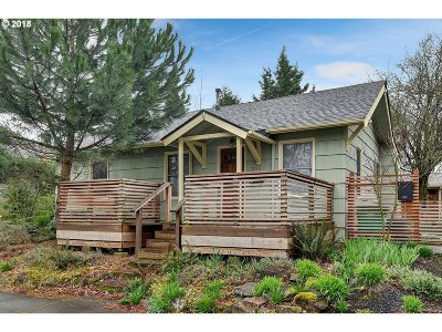 Portland Single Family Home For Sale: 7032 NE Siskiyou St #A & B