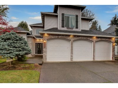 Clackamas County Single Family Home For Sale: 4124 Imperial Dr