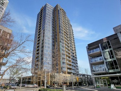 Portland Condo/Townhouse For Sale: 3570 SW River Pkwy #1709
