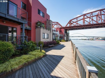 Portland Condo/Townhouse For Sale: 820 NW Naito Pkwy #G1