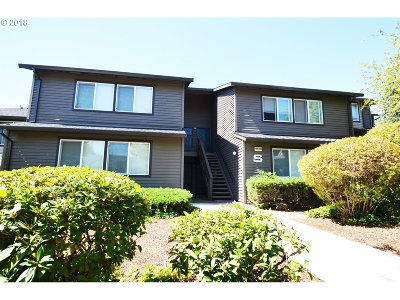 Beaverton Condo/Townhouse For Sale: 9530 SW 146th Ter #S-7