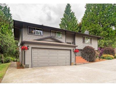 Gresham Single Family Home For Sale: 7239 SE Cottrell Rd