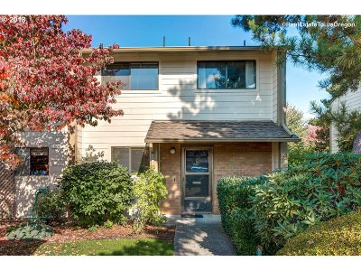 Newberg Condo/Townhouse For Sale: 1100 N Meridian St #19