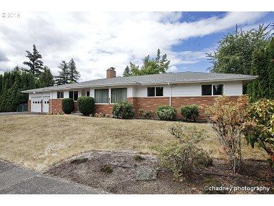 Single Family Home For Sale: 131 NE 149th Pl