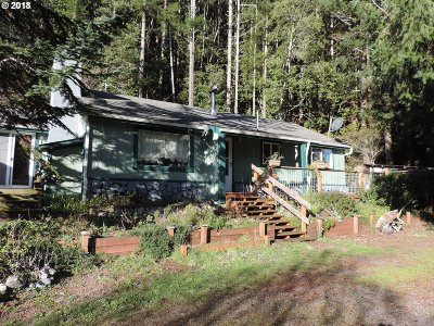 Gold Beach Single Family Home For Sale: 32280 Cedar Valley Rd