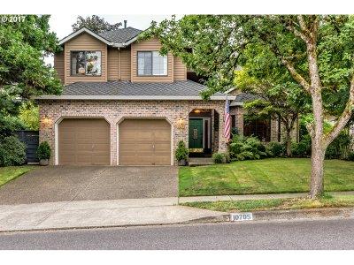 Beaverton Single Family Home For Sale: 10705 SW Heron Cir