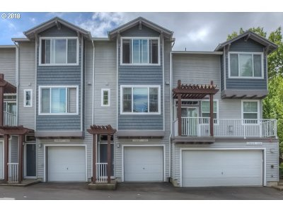 Tigard Condo/Townhouse For Sale: 10825 SW Canterbury Ln #103