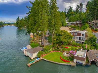 Lake Oswego Single Family Home For Sale: 1657 Lake Front Rd