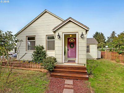 Portland Single Family Home For Sale: 7123 SE 60th Ave