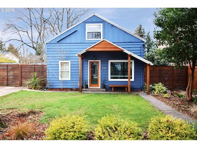 Portland Single Family Home For Sale: 4903 SE Rural St