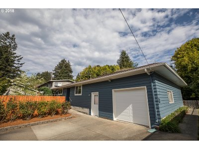 Coos Bay Single Family Home For Sale: 1150 W Anderson Ave