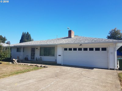 Woodburn Single Family Home For Sale: 330 Workman Dr