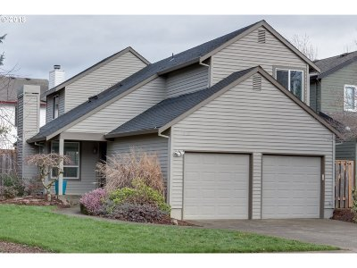 Tigard Single Family Home For Sale: 10569 SW Windsor Pl