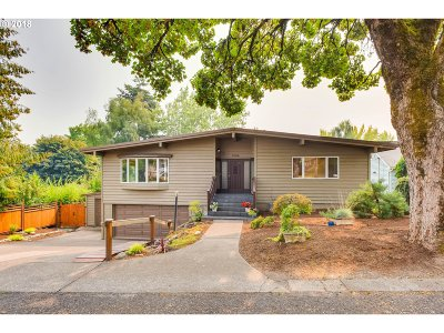 Single Family Home For Sale: 1704 SW Canby St