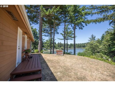 Coos Bay Single Family Home For Sale: 63237 Crown Point Rd