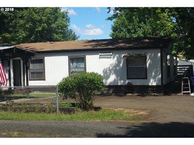 Roseburg OR Single Family Home For Sale: $138,000