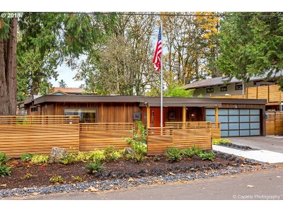 Lake Oswego Single Family Home For Sale: 16987 Alder Cir