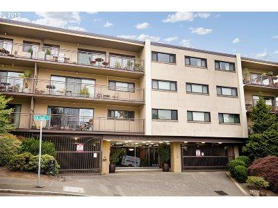 Portland Condo/Townhouse For Sale: 2393 SW Park Pl #211
