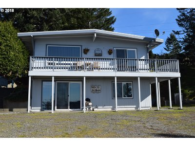 Gold Beach Single Family Home For Sale: 94330 Coldiron Hill Rd