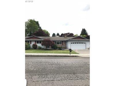 Gresham Single Family Home For Sale: 4210 NE 2nd St