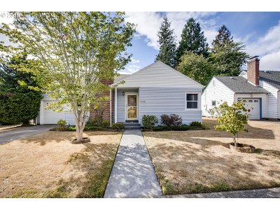 Portland Single Family Home For Sale: 3261 NE 88th Ave