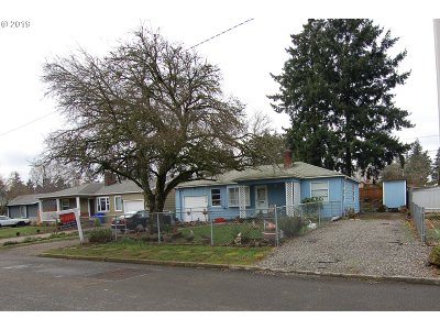 Portland Single Family Home For Sale: 533 SE 113th Ave