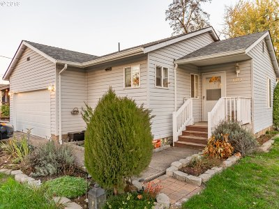 Sweet Home Single Family Home For Sale: 1013 23rd Ave