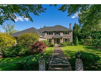 West Linn Single Family Home For Sale: 3590 Riverknoll Way