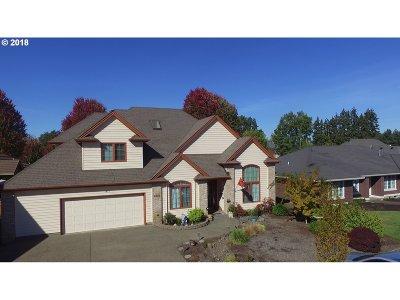 Woodburn Single Family Home For Sale: 2815 Hazelnut Dr
