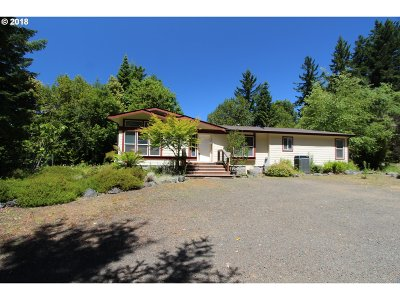 Gold Beach Single Family Home For Sale: 30245 Hummingbird Hill Rd