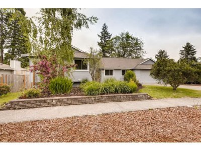 Beaverton Single Family Home For Sale: 6360 SW Fisher Ave