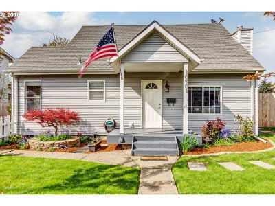 Single Family Home For Sale: 10901 NE Broadway