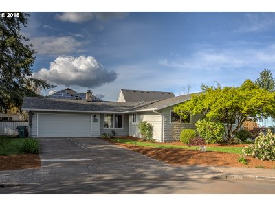 Hillsboro, Cornelius, Forest Grove Single Family Home For Sale: 1023 NE 11th Ct
