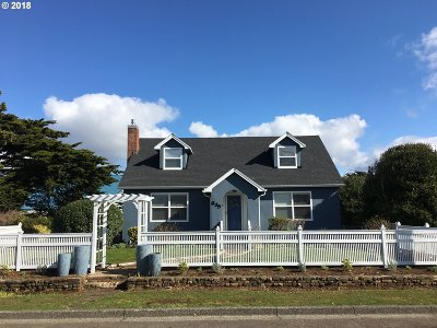 Bandon Single Family Home For Sale: 635 Franklin Ave SW