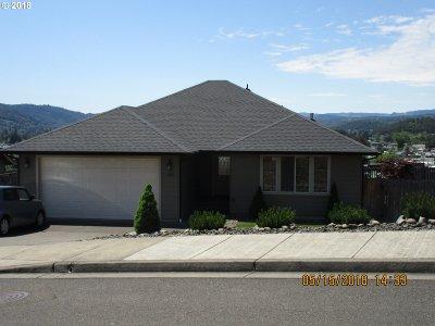 Roseburg OR Single Family Home For Sale: $275,000