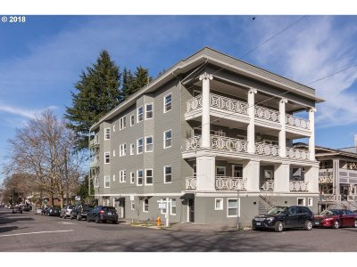 Portland Condo/Townhouse For Sale: 2387 NW Northrup St #6