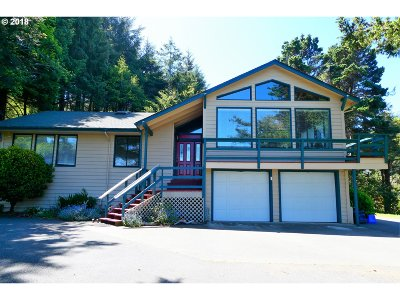 Gold Beach OR Single Family Home For Sale: $379,000