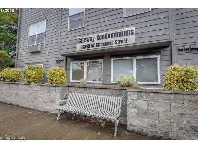 Condo/Townhouse For Sale: 10345 NE Clackamas St #11