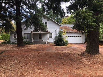 Portland Single Family Home For Sale: 13811 SE Foster Rd