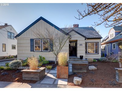 Portland Single Family Home For Sale: 1945 SE 25th Ave