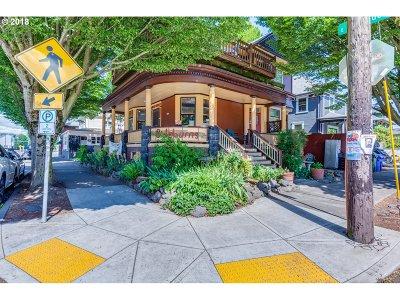 Single Family Home For Sale: 1735 E Burnside St