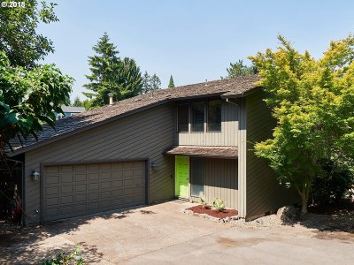 Tigard Single Family Home For Sale: 12265 SW Walnut St
