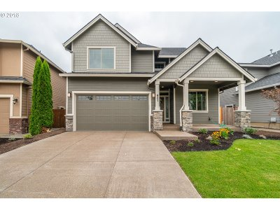 Newberg Single Family Home For Sale: 621 Ironwood Dr