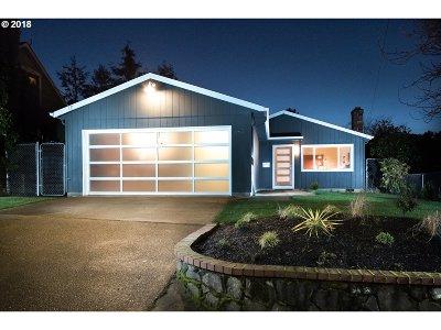 Portland Single Family Home For Sale: 4401 NE 42nd Ave