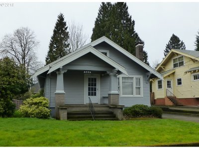 Single Family Home For Sale: 3225 NE Wasco St