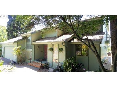Keizer Single Family Home For Sale: 948 N Mistletoe Loop