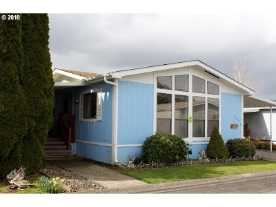 Scappoose Single Family Home For Sale: 51499 SE 6th St